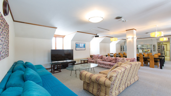 Snowgum-Lodge-Upstairs-Common-Room